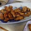 幸運な病のレシピ( 1179 )夜:鳥手羽、イワシ、豚足、汁、(餃子焼いて宴会をした)