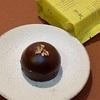 『治一郎』のバレンタイン。季節限定のクロッカンショコラとびっくりショコラ。チョコレートスイーツもおすすめです。