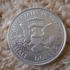 【コインチョコレート】アメリカの象徴!ケネディ大統領の巨大コインをハグハグ味わう!!