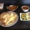 インドカレーのRAJAでチーズナンをいただく