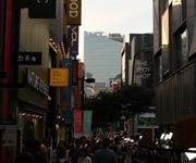 ユニクロが韓国大邱にマスクを寄贈 日本のネット上で賛否両論の声が