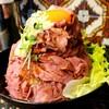 【レッドロック@高田馬場】豪快盛りつけのローストビーフ丼を食べに行こう【ローストビーフ丼(大)】