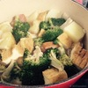 干しブロッコリーと新じゃがとベーコンの煮ものの、作り方。コンロで炙って絶品、自家製カツオのタタキ。