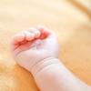 「赤ちゃんの湿疹(乳児湿疹)の原因とケア方法」