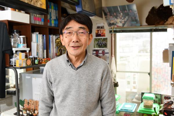 「ほとんどの昆虫はおいしいと、みんなに知ってほしい」昆虫料理研究家・内山昭一さん|クレイジーワーカーの世界