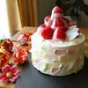 桃の節句に花びらデコレーションでひな祭りケーキ
