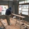 足場板DIY 床みがきと窓埋め