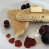 ギリシャヨーグルト(水切りヨーグルト)から出たホエーを使って、卵・牛乳不使用のパンケーキを作りました
