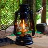 優しい灯りのオイルランプ「ハリケーンランタン」は虫除けにも活用可能!使い方・お手入れ方法も解説