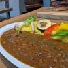 見た目が涼しい栄養価の高めの夏カレー【恵比寿西「0831 yummy」和牛すじと焼き野菜のスパイシーカレー】