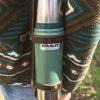 「スタンレー STANLEY」の水筒はカッコいいのに保温性もバッチリ。ホルダーぶら下げてアウトドアしよう!