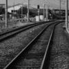 レールの行き先は? ≪#33 ≫  ― 風情ある駅の踏切にて ―