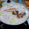 【今日の食卓】ごま豆乳鍋。ミツカンの「ごま豆乳鍋つゆ ストレート」使用で〆にラーメンも
