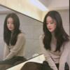 鏡の背景一つとして、また人生の写真残してしまった女優の日常の姿