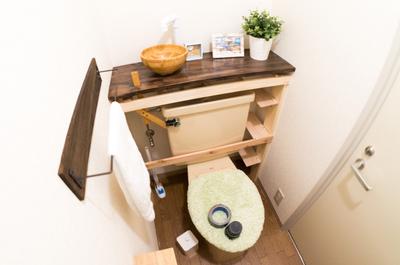 【賃貸DIY】トイレのタンクレス化、板を貼って完成です!