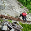 災害でも役に立つ登山用品 VOL.04 「落下物から頭を守る! ヘルメット」