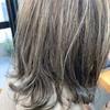 白髪染めを使わず【エイジングヘアカラー】▷オシャレを楽しむグレイヘアがオススメです