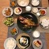 ごはん、きんきの煮付け、青梗菜と人参のおひたし、きゅうりの梅おかか和え、冷奴とミニトマト、筍の土佐煮(買った)