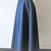ダマスクジャガード生地で秋一番のセミフレアースカート。