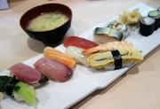 握り寿司10貫のジャンボ定食が860円!福岡の回らないお寿司屋さんでは最強レベルのコスパランチを発見した