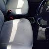 車 内装修理⑪パッソ モケットシート焦げ穴