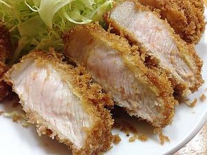 上野・御徒町界隈で大人気の750円厚切りとんかつ定食!「山家」のコスパ抜群&揚げたてロースかつ定食