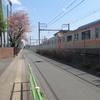 春の郊外電車