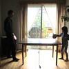 セリアの卓球セットとダイニングテーブルで、子どもと遊ぶ