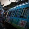 江ノ島駅と腰越駅の併用軌道区間