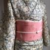 【着物コーディネート帖】2月の薄日に咲くお花のような紋錦紗の着物に、ちょっと春を感じる帯を合わせて。
