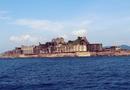 世界遺産になった廃墟の島「軍艦島」に上陸してきた