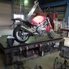 今日は、お断り出来ない都合でバイクの魔改造