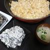 焼き飯、白和え、卯の花、味噌汁