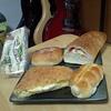 札幌市 パン どんぐり /  やっぱり美味しいちくわパン
