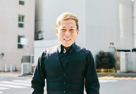 周りが売れていったのが自分の成功につながった。東京で過ごした20年間の下積み生活――じゅんいちダビッドソンさん【上京物語】