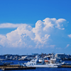 港にはいる汽船・桜間中庸:緩と急の変化が面白い港の美しい光景