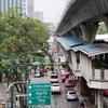 バンコクの朝、真っ白です。PM2.5今朝(今)の数値は159(身体に良くない)です。