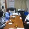 5日、県社交飲食業生活衛生同業組合理事長と懇談。自粛による減収分の補償してほしいと