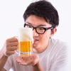 アルコールを飲むと頭がさえて創造的になるって本当?