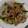 【カンゾウ(山菜)と豚肉の炒め物】