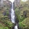 太平洋を背に滝を眺める『五丈の滝』久慈市