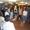 オイリュトミー合同公演の練習 が始まりました. Eurythmieschuhe mit 100Oberstufenschüler bei Kenji