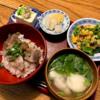 炙りカツオ丼と大和芋のすまし汁