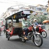 カンボジア国民の足。トゥクトゥク。