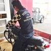 ジャケット代わりにもなるクッシュマンのスウェットブルゾンは車やバイクに乗る方にもオススメ!