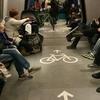 自転車もベビーカーもOKな電車内