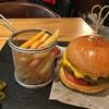 【北京】巨大ショッピングモール合生匯内にあるハンバーガーショップ、Three Guys Burger House