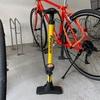 自転車買ってから初めてタイヤの空気圧を確認したら青ざめた