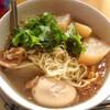 【今日の食卓】インスタント麺のスープを、「カイ・パロー」という甘味のあるタイ風おでん(漢方煮)の素を使ったスープに変えた