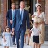 英ルイ英ルイ王子の洗礼式に、ロイヤルファミリーのファッション!